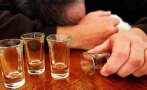 Tovuz rayonunda yerli sakin spirtli içkidən zəhərlənib