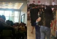 """""""Nərgiz Mall"""" bütün mallara 5 manat qiymət qoydu –Qadınlar mağazaya hucum etdi"""
