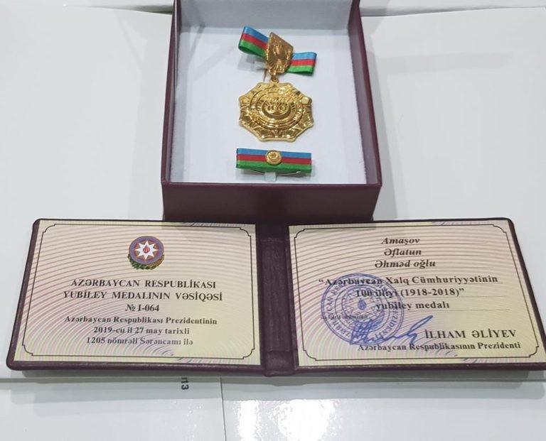 Prezident Əflatun Amaşova medal verdi –