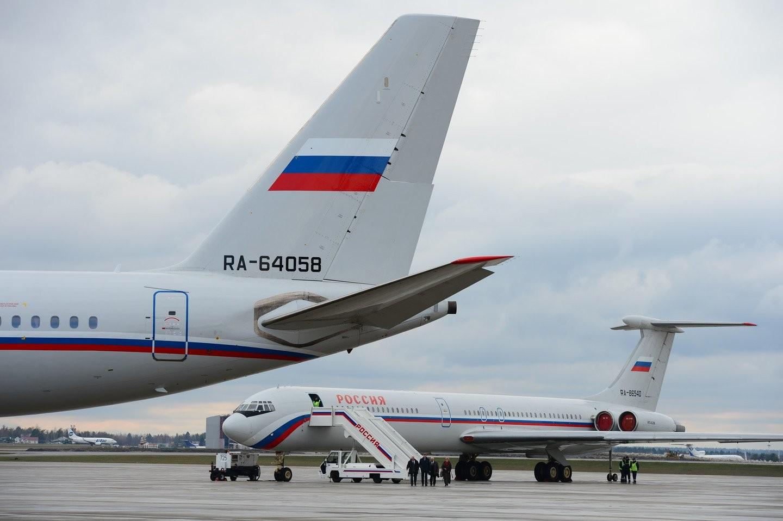 Putini Soçiyə müşaiyət edən təyyarə sıradan çıxıb –Hava limanında qalıb