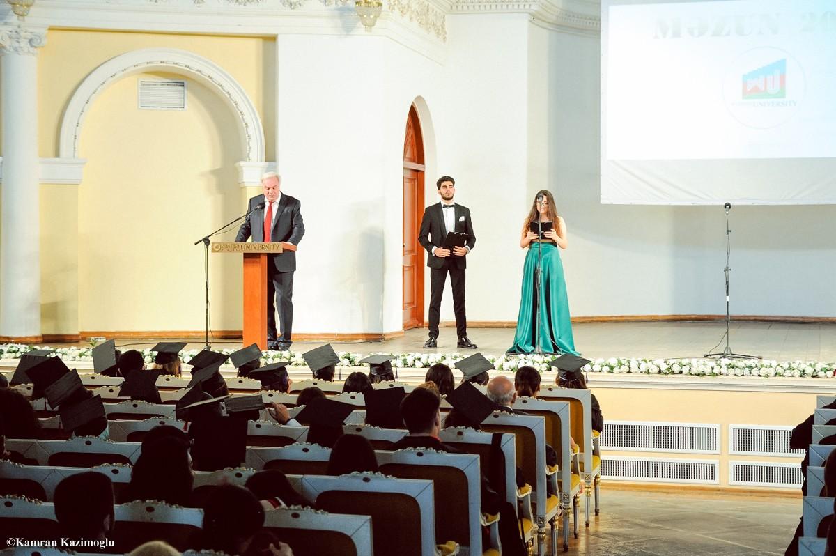 Qərbi Kaspi Universitetində təntənəli məzun günü