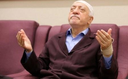 Azərbaycanlı rektor Fətullah Gülənlə əlaqədə ittiham olundu