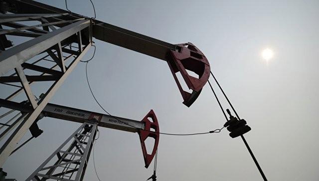 İran neft hasilatını artırır –Sutkada 5,7 milyon barrel