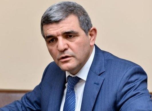 """Deputat hökumətə çağırış etdi:""""Necə olur ki, yeni doğulan uşağa 45, bir buzova görə isə 140 manat verilir?"""""""