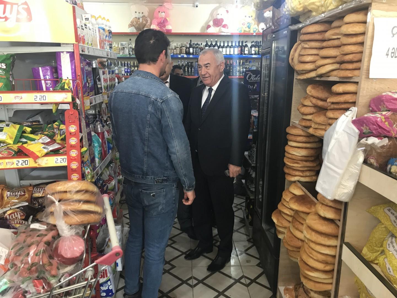 İcra başçısı bazara getdi,topdan satış mərkəzlərində oldu