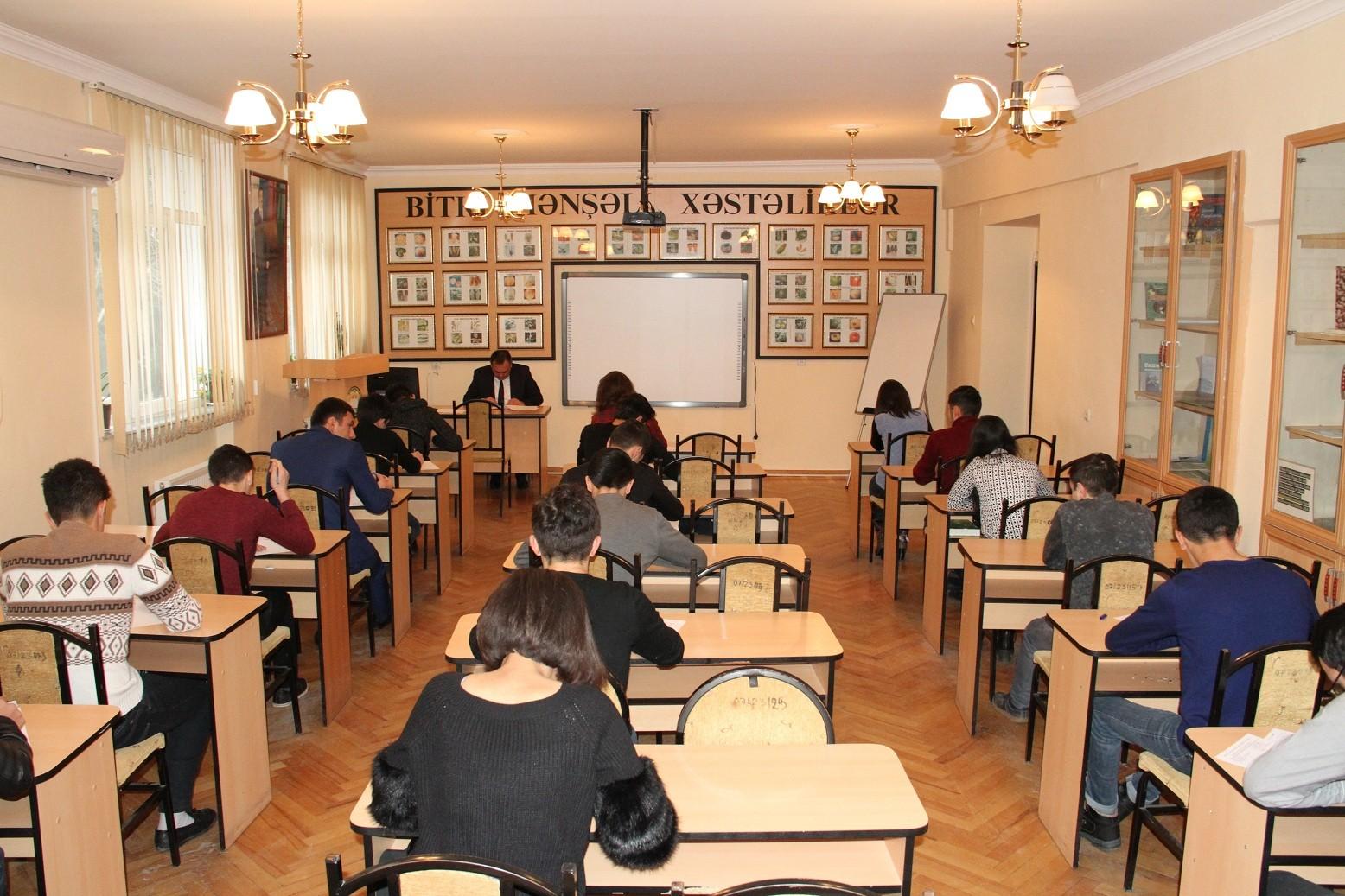 ADAU-da payız semestrinin imtahan sessiyası uğurla davam edir