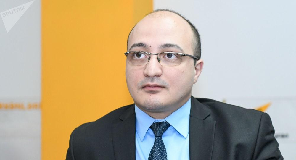 Bakı Politoloqlar Klubunun rəhbəri Zaur Məmmədov ile ilgili görsel sonucu