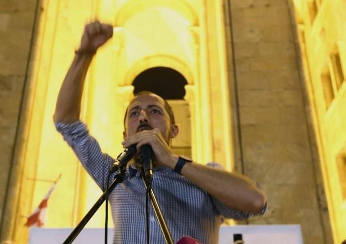 Tbilisidəki etiraz aksiyalarının təşkilatçısı ölümlə hədələndi