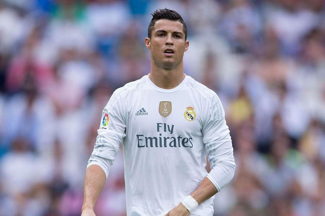 Ronaldo 2017-ci ildə ən çox gəlir əldə edən futbolçu olub