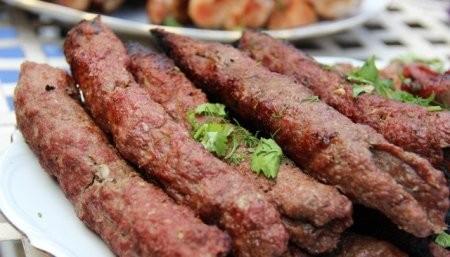 Restoran və dönərxanalarda əhaliyə at-eşşək əti yedizdirilir - AÇIQLAMA