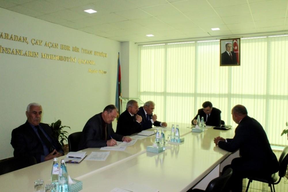 Azərbaycan Meliorasiya və Su Təsərrüfatı ASC-nin sədri Göygöl rayonunda vətəndaşlarla görüşüb